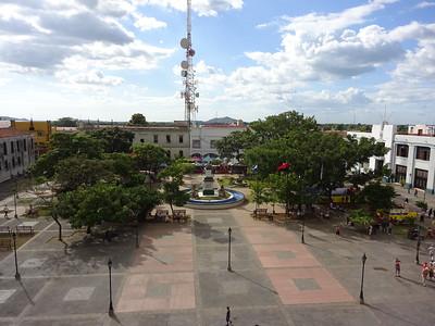 031_Leon  Parque Central and Plaza Revolution