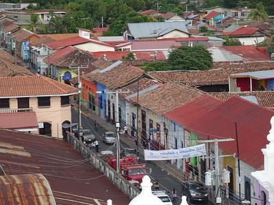 044_Leon  Panoramic View  Architecture Coloniale  Toits de tuiles rouges et aux murs peints de couleurs chaudes