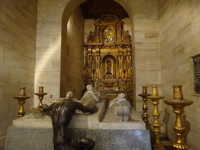 028_Caracas  West side  Plaza Bolivar  The Cathedral  1713  Capilla de la Santisima Trinidad  Panteon Familia Bolivar