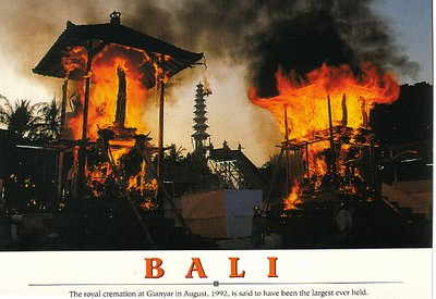 04_Bali_The_Royal_Cremation