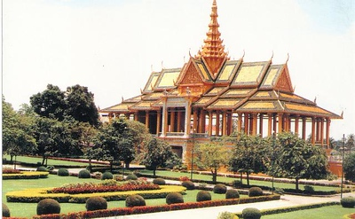 02_Phnom_Penh_Royal_Palace_Chanchaya_Hall