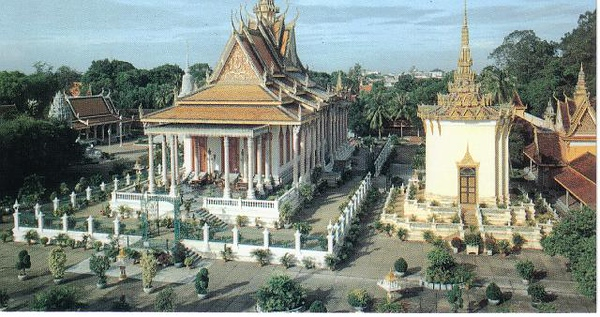 01_Phnom_Penh_Royal_Palace