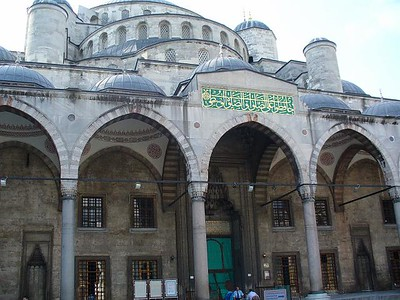 013_Istanbul_The_Blue_Mosque_The_interior_Court