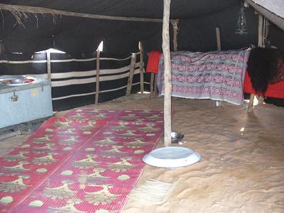 034_Dubai_Heritage_Village_Bedouin_tent_interior