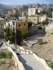 009_Amman_Ottoman_houses_climb_up_sides_of_surrounding_hills