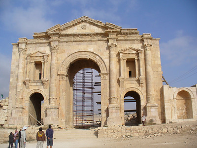 021_Jerash_Hadrian_Arch_129AD