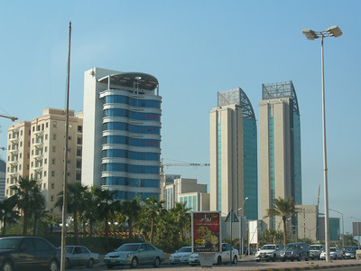 010_Kuwait_City_The_expanding_and_rising_urban_skyline