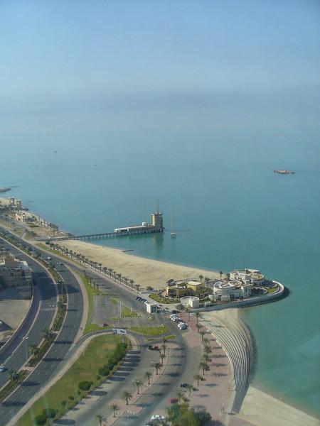 004_Kuwait_City_The_sea_front_Corniche_10km_long