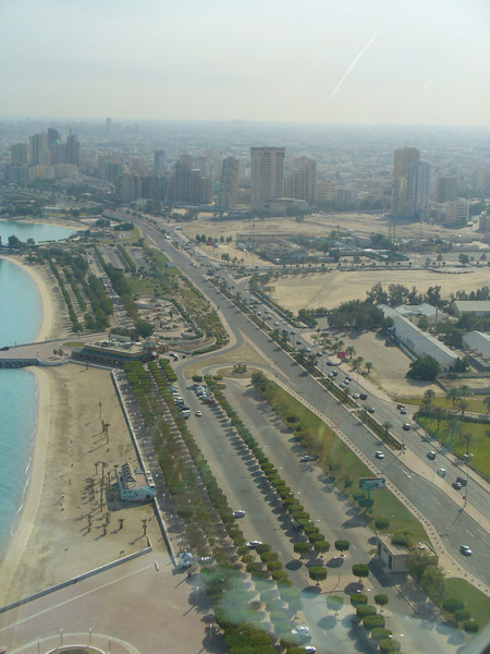 006_Kuwait_City_The_sea_front_Corniche_also_name_Gulf_Road