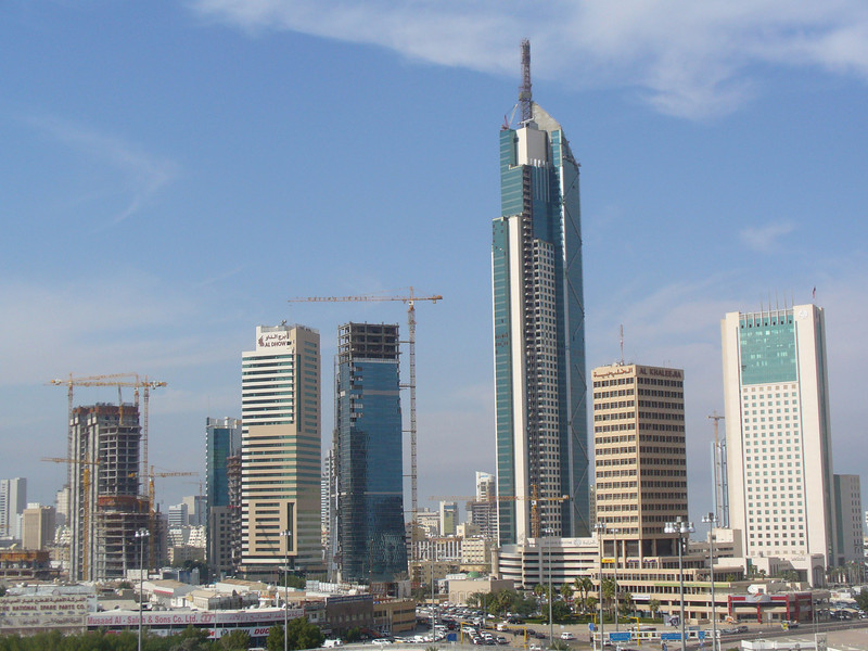 013_Kuwait_City_The_expanding_and_rising_urban_skyline