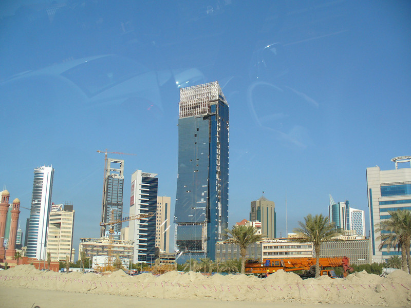 012_Kuwait_City_The_expanding_and_rising_urban_skyline