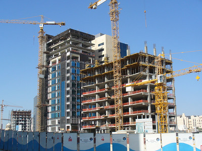 009_Doha_The_expanding_and_rising_urban_skyline