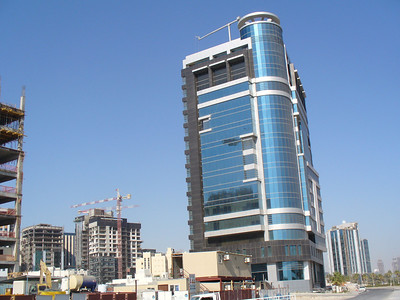 008_Doha_The_expanding_and_rising_urban_skyline