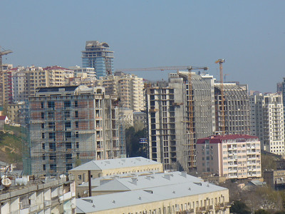 032_Baku_Contrast_Old_and_New_Buildings