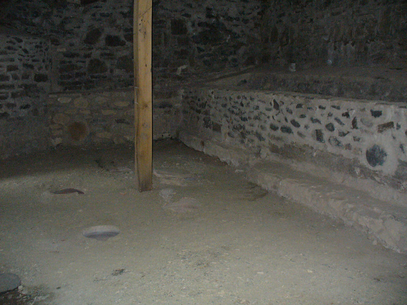 019_Gremi_Royal_Citadel_Wine_Cellar_16th_C