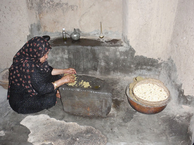 138_Al-Hamra  Bait Al Safah House  Grinding Grains