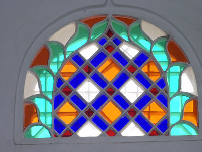 038_Old San'a  Qamariya  Ornate Windows of Coloured Glass
