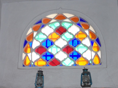 039_Old San'a  Qamariya  Ornate Windows of Coloured Glass