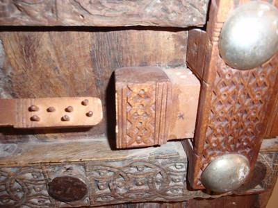 648_Sayun  Sultan's Palace Museum  The Door Key Mechanism