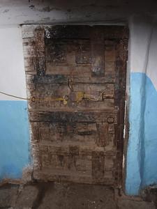 376_Al Hajjarha  House Interior  The Door Multi-Lock System