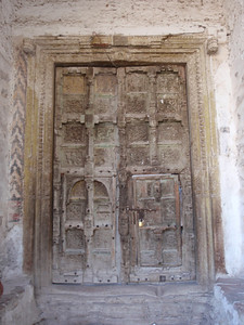 526_Ta'izz Old Town  Al-Ashrafiya Mosque  Entrance Door 13C