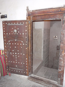 058_Old San'a  Dar Al Hayas A Sanania  1st floor Big Door