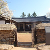 356_Jecheon  Cheongpung Cultural Properties Complex  Commoner's House  Inverted L-shaped  Tile-roofed house with half-hipped roof jpg