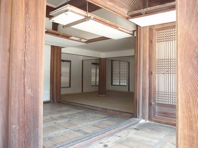 029_Seoul City  Deoksugung Palace jpg