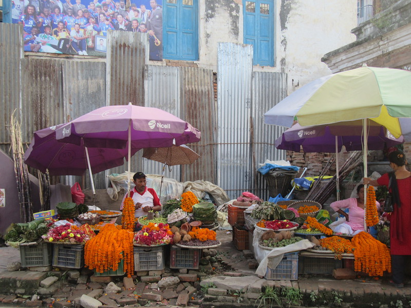 086_Patan  Flower shop  Entrance to Durbar Square
