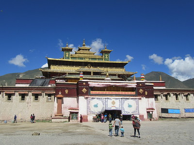 031_Ütse  Central building  A synthesis of architectural styles  Ground and 1st floors are Tibetan in style, the 2nd floor was Chinese and the 3rd floor Indian