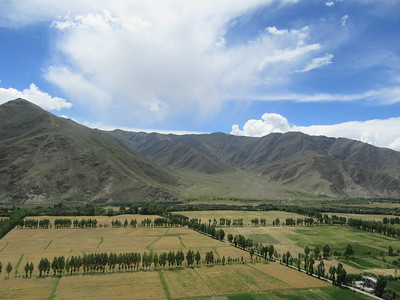 066_The patchwork fields of the Yarlung Valley  View from Yumbulakang Fort
