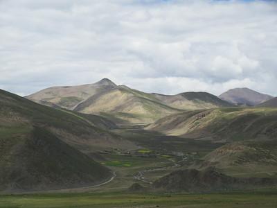 260_Between Lhasa and Gyantsé  Via Yamdrok Lake