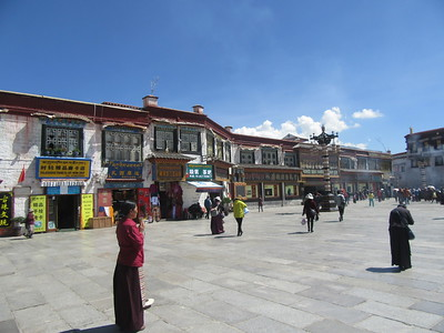 212_Lhasa  Old Town  Barkhor Square