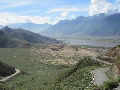 019_From Tsethang to Samye Monastery  Via Yarlung Tsangpo (Bramahputra) River
