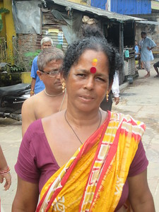 066_Southern Kolkata  Kalighat District  Near the Kali Temple  Face painting