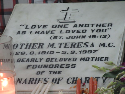 021_Kolkata  Missionnaries of Charity Headquarters, Est'd 1952  Mother Teresa House  Mother Teresa's Tomb