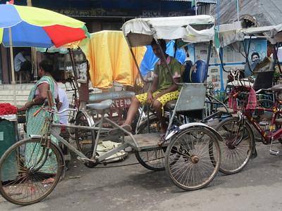 073_Southern Kolkata  Kalighat District  Near the Kali Temple