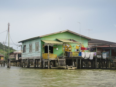 024_Kampung Ayer (Water Village)  Has is own schools, mosques, police stations and fire brigade