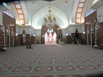 014_Omar Ali Saifuddien Mosque  Lavish interior, floor and walls are made from the finest Italian marble