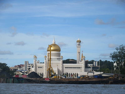 015_Kampung Ayer (Water Village) and The Omar Ali Saifuddien Mosque