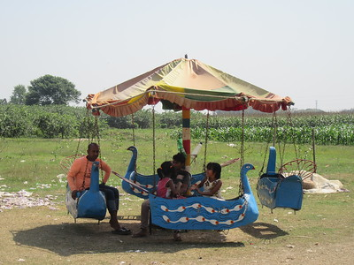 376_Village Fair  Ride