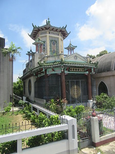 025_Manila  Chinese Cemeteryy  The fusion of eastern and Christian religions are in evidence