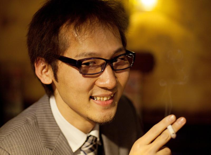 "Meeting the locals in the ""British Pub"", Kabukicho"
