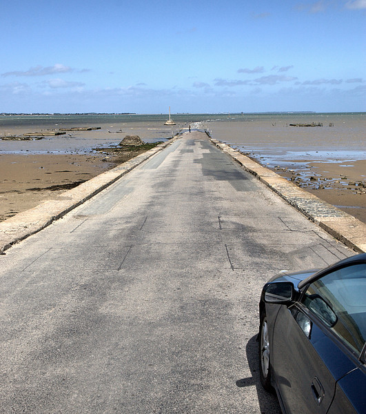 Definitely a road to nowhere, Beauvoir-Sur-Mer