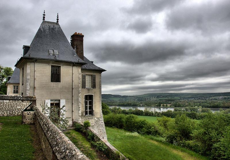 D5. Bardouville, France