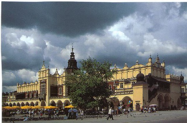 08_Cracovie_Grande_Place_du_Marche_1358