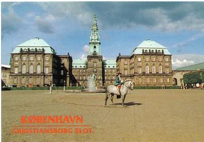 10_Cop_Chateau_Christiansborg_avec_le_Parlement