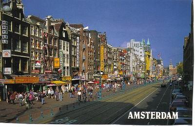 23_Amsterdam_Damrak