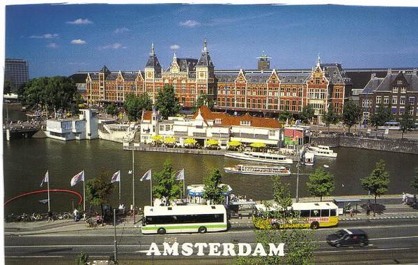 17_Amsterdam_Central_Station