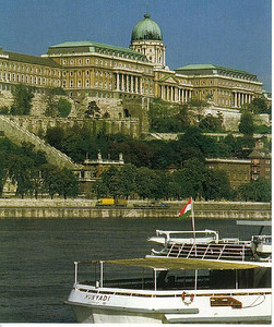 021_Bud_View_Buda_Castle_Habsbourg_From_Pest_promenade